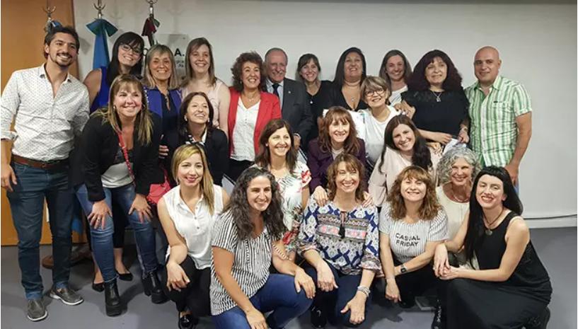 Entrega de Diplomas en Estomatología, Discapacidad e Implantología oral